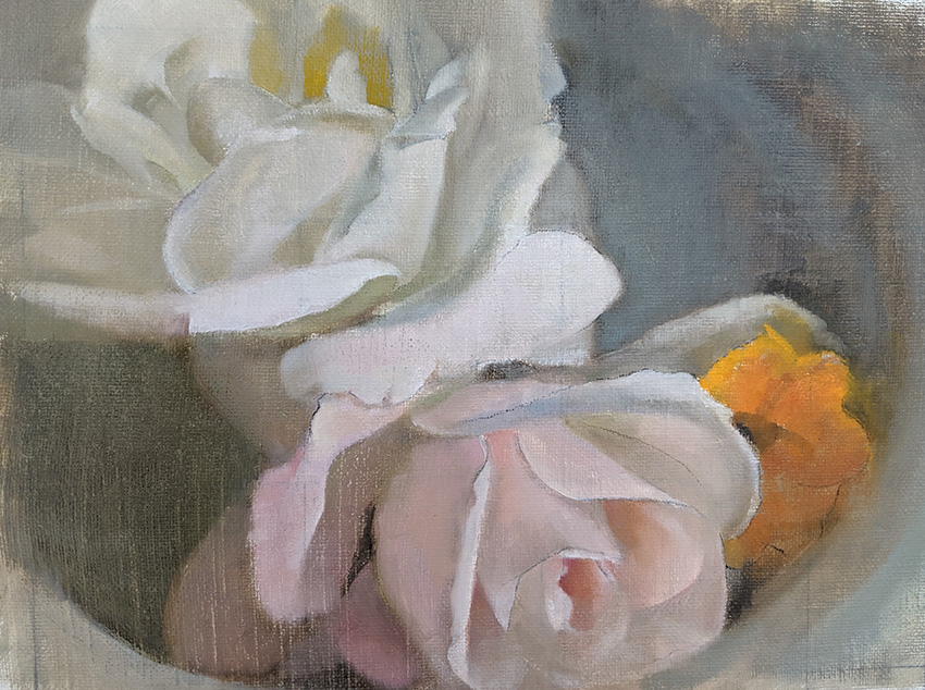 שלושה פרחים בקערה