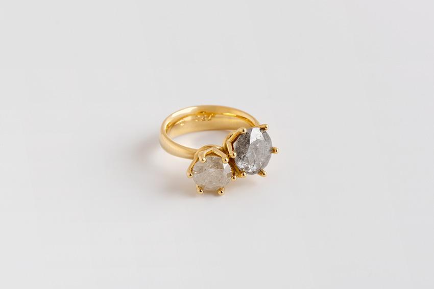 טבעת צמד זוג יהלומים אפורים