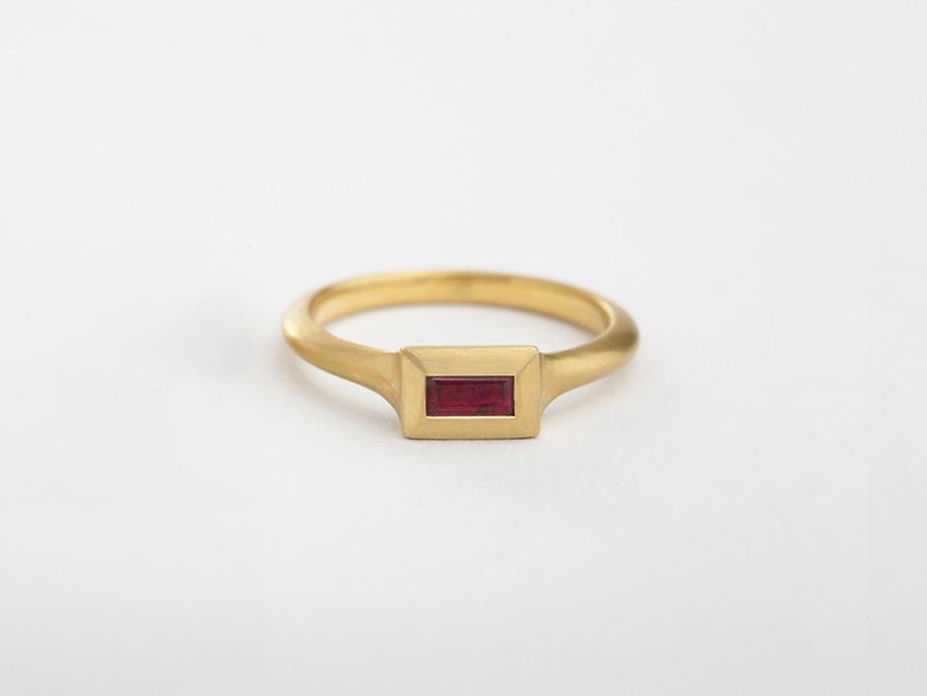 טבעת רובי חוטית