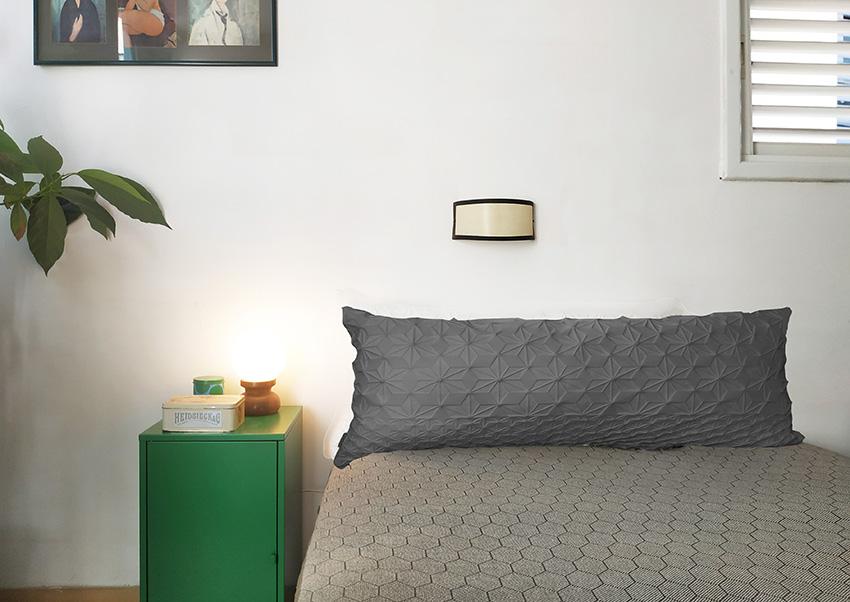 כרית גב למיטה אפור – XL