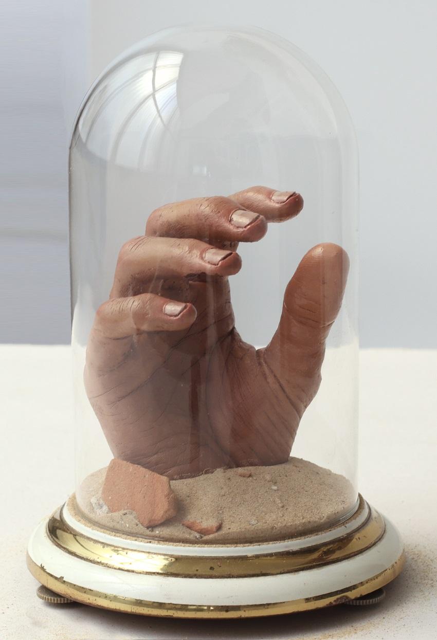 יד בצנצנת