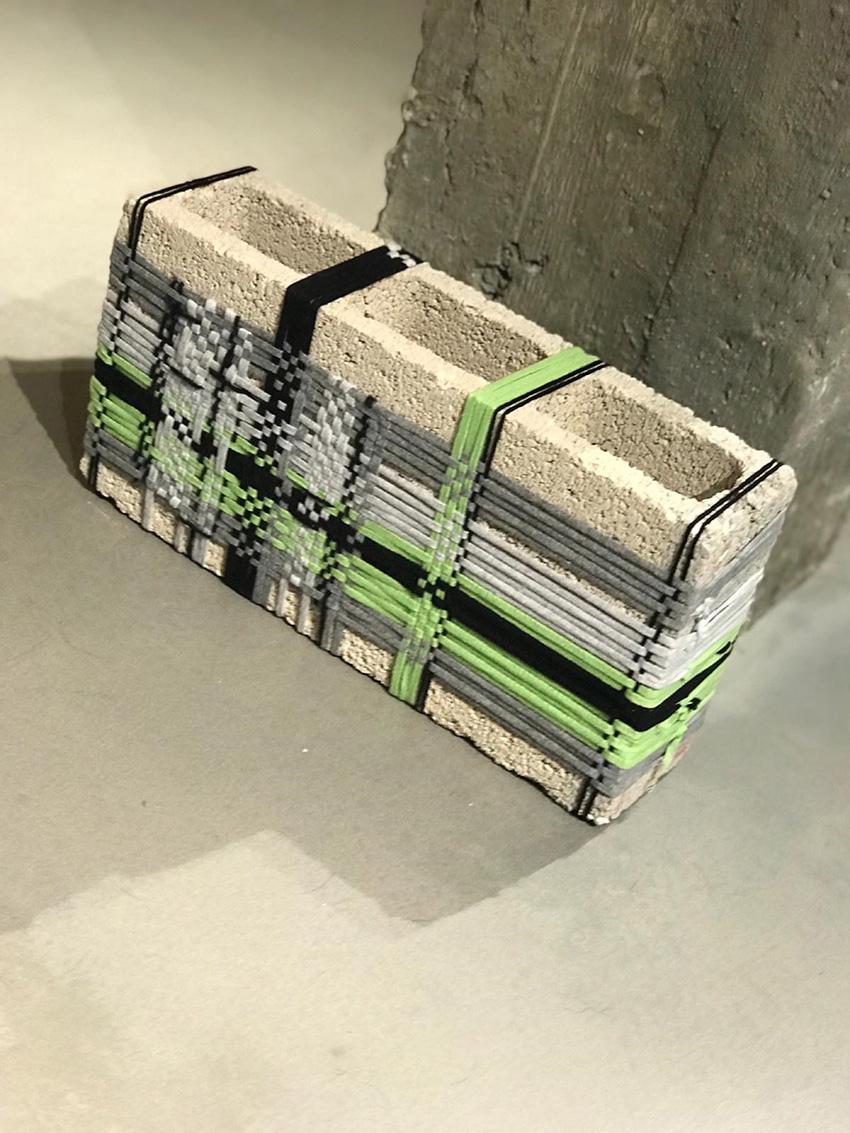 בלוק דק אפור חוטים – פסטל ירוק